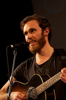 220px-James_Vincent_McMorrow_at_the_SXSW_2011_(d)
