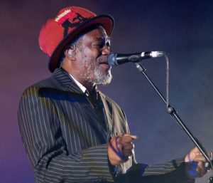 horace_andy_massive_attack_live_in_moscow_2009
