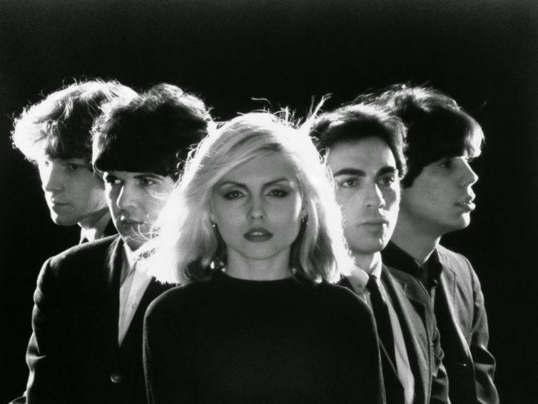 Une blonde trash, sexy et atomic, mais c'est Blondie!